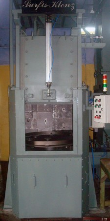Single Table Shot Blasting Machine